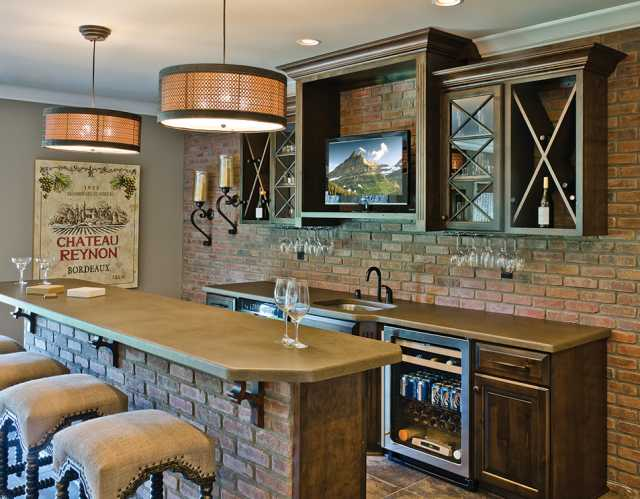 Louisville Home Bar Cabinetry