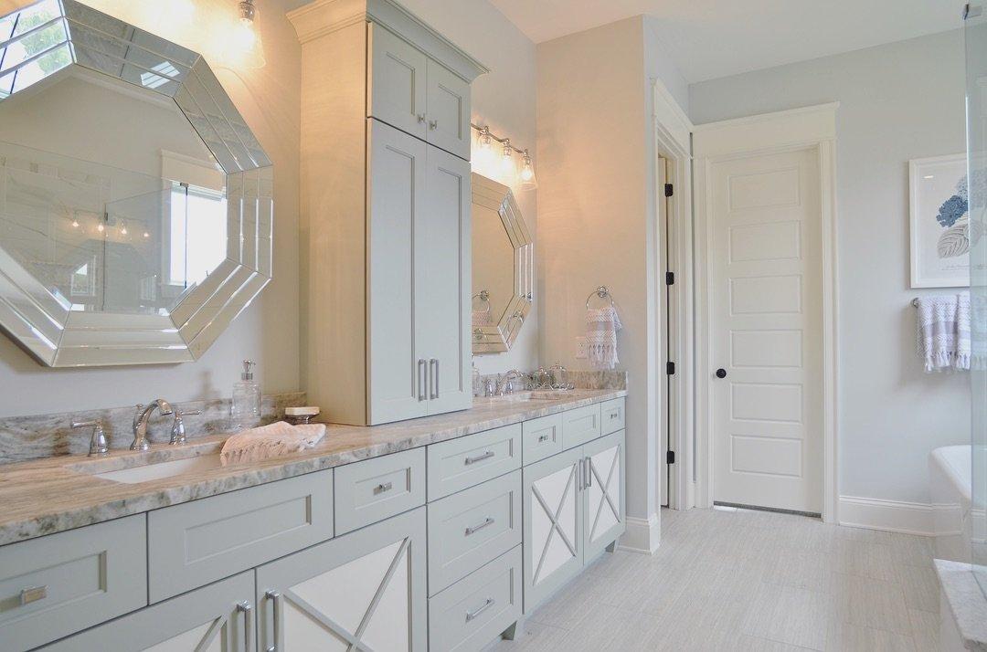Louisville Bath Cabinet Remodel