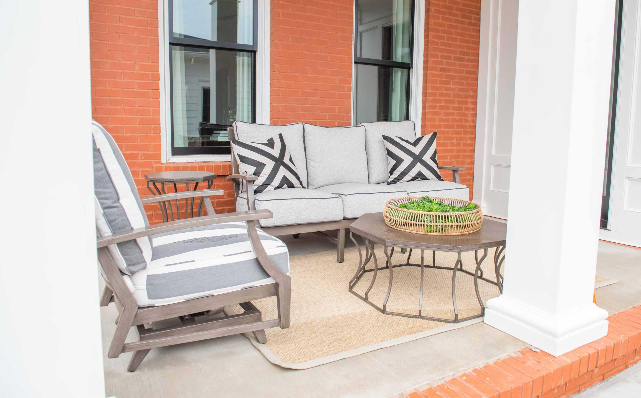 Louisville Outdoor Furniture